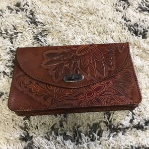 Handbags - Vintage leather clutch